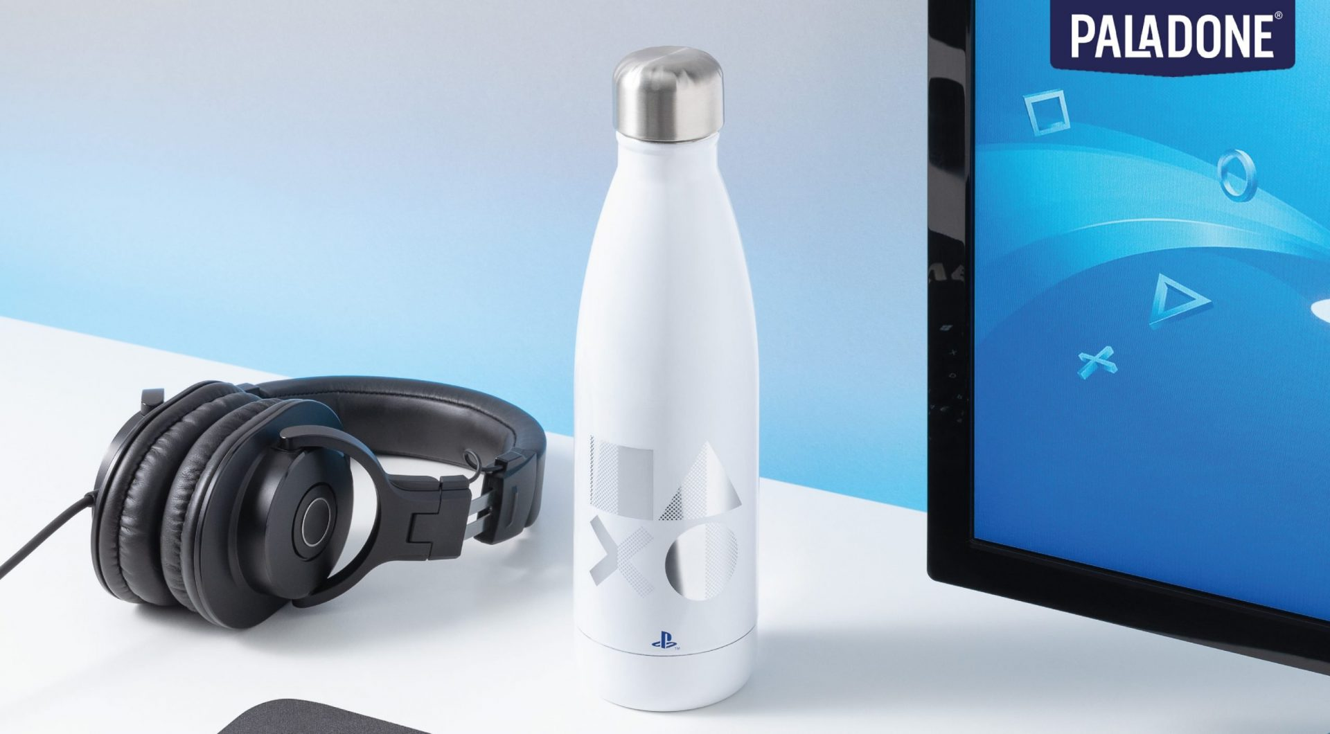 PP7925PS_Playstation_Metal_Water_Bottle_PS5_Lifestyle_2-01